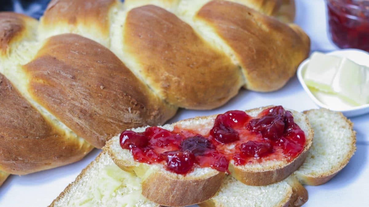 Cardamon bread coated in delicious cherry jam
